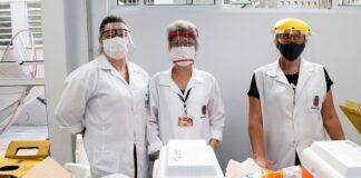 Médicos e enfermeiros