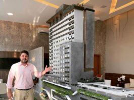 Paulo Bessa, diretor de vendas da URBS Imobiliária, apresenta maquete do Polaris em Catalão
