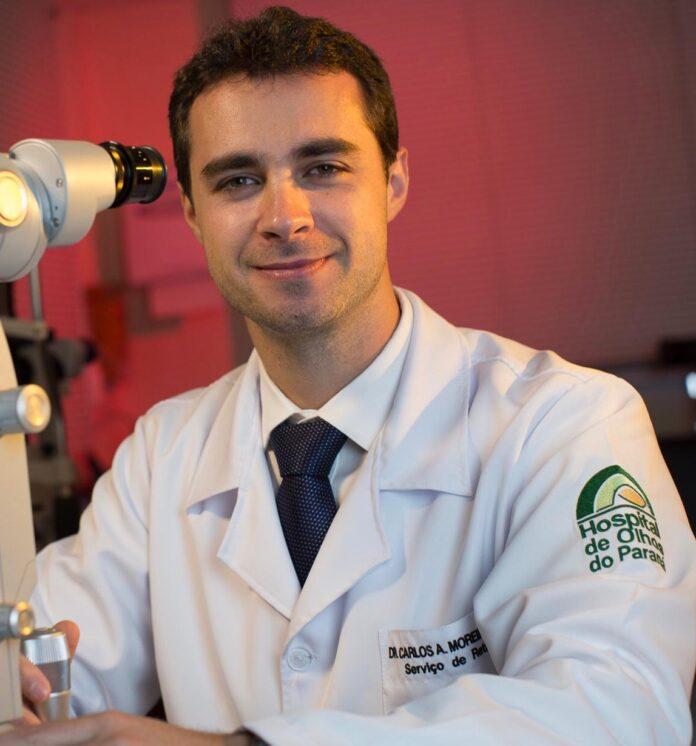 Carlos Moreira Neto, médico oftalmologista especialista em retina, é professor de Oftalmologia do curso de Medicina da Universidade Positivo.
