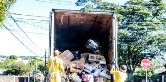 Serão recolhidos materiais recicláveis que possam acumular água e ser criadouros do mosquito aedes aegypti, transmissor da dengue Foto: Aldemir de Moraes