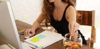 Porcentagem de adolescentes que consomem doces diariamente cresceu de 14% para 20,7% durante o período de isolamento social