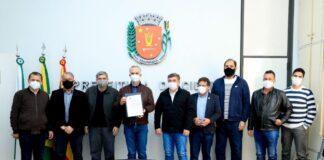Ulisses Maia sanciona lei que possibilita abertura de empresas em 24h